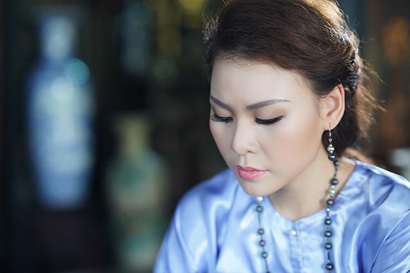 Kỳ Phương Uyên nết na trong nếp áo xưa của NTK Việt Hùng