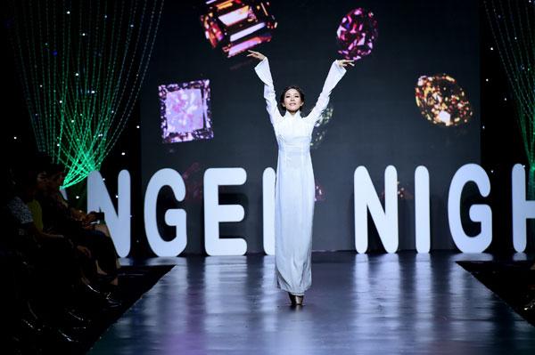"""Chiêm ngưỡng """"Giấc mơ của đá"""" của NTK Việt Hùng trong Show diễn đẳng cấp Angel Night"""