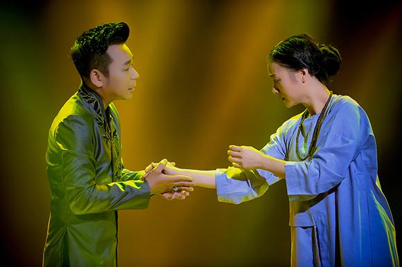 Ca sỹ Lưu Thiên Ân làm thổn thức trái tim yêu nhạc với Ban tay mẹ