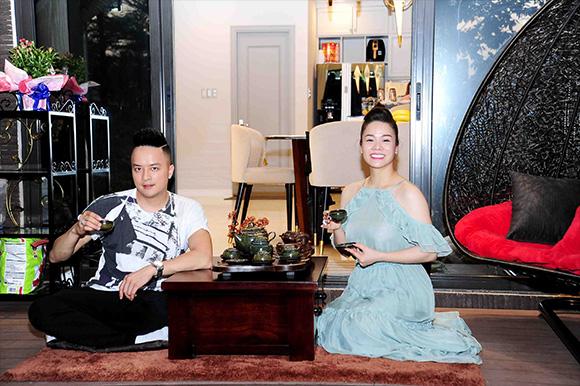 Nhật Kim Anh mở tiệc tân gia biệt thự hoàng tráng như đám cưới