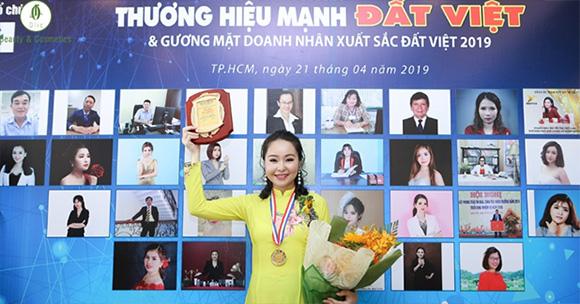 Hồng Linh - Doanh nhân xuất sắc đất Việt 2019 từ việc kinh doanh online mỹ phẩm thiên nhiên OLIC