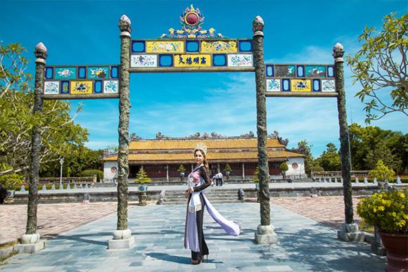 Hoa hậu Phu nhân người Việt quốc tế tỏa sáng trái tim thiện nguyện