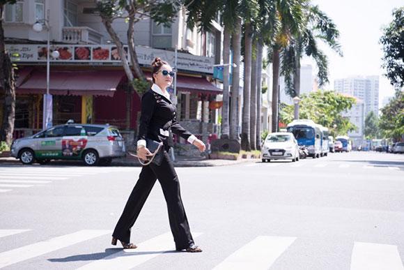 NTK Oanh Phan xuất hiện cực chất với sắc thu trong một sự kiện