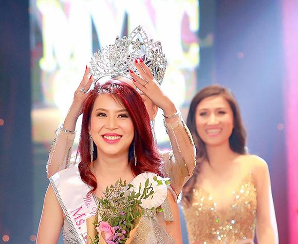 Rời màn ảnh Việt rất lâu, cựu diễn viên Bích Hằng bất ngờ đăng quang Hoa hậu tại Thái Lan.
