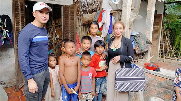 Hoa hậu Nguyễn Thị Thanh Thúy đón Tết quê đầy nghĩa tình