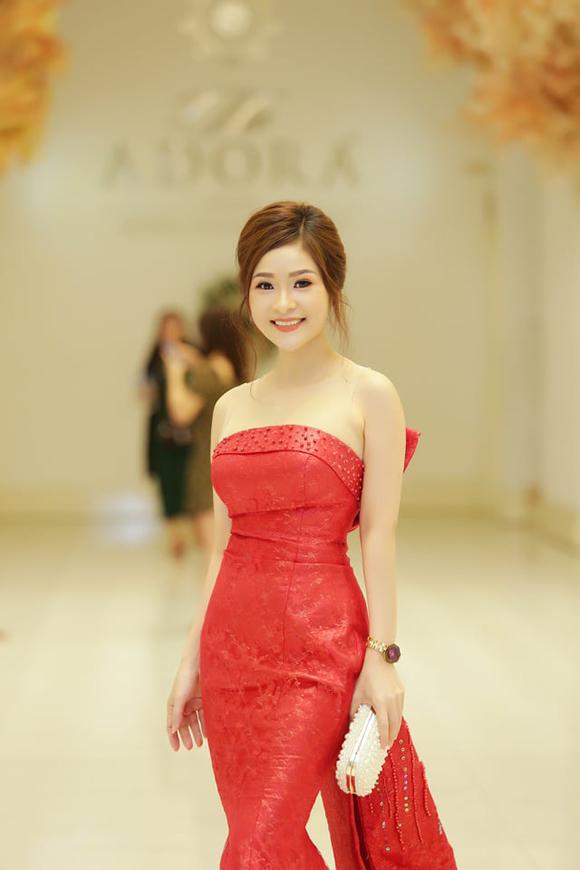 Hoàng Ái My nữ ca sĩ trình diễn chính thức tại Miss Eurasia Community Dubai