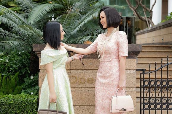 Kristine Thảo Lâm đọ sắc cùng diễn viên Diễm My