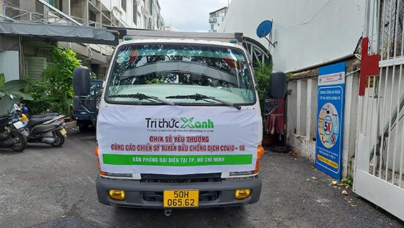 Hơn 10 bếp ăn từ thiện tại TP. Hồ Chí Minh nhận rau, củ và hàng nông sản từ tạp chí Tri Thức Xanh