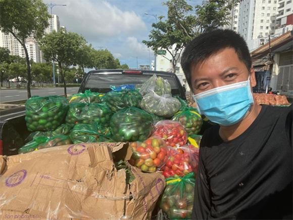 Trương Hạnh Công Dân - Sưởi ấm tình người khi Sài Gòn thấm bệnh